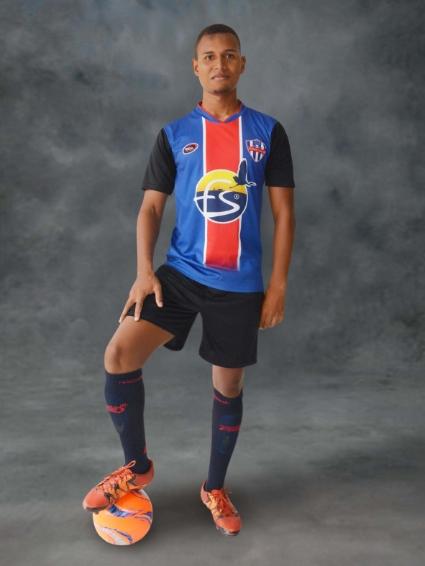 """El """"Tanque Colombiano"""" J. Andrés Riascos firma con Manager Deportivo."""